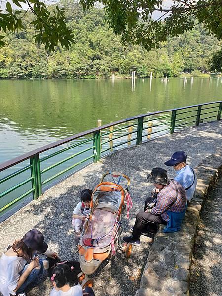 亞亞的龍潭湖遛奶油 (34).jpg