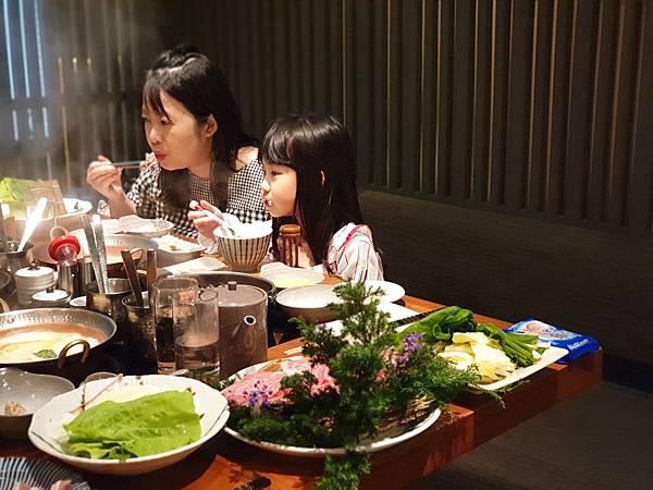 台北市黑毛屋南港中信店 (38).jpg