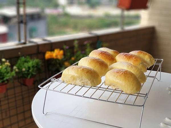 手作肉鬆麵包 (1).jpg