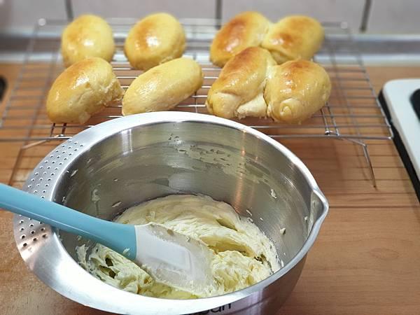 手作肉鬆麵包 (5).jpg