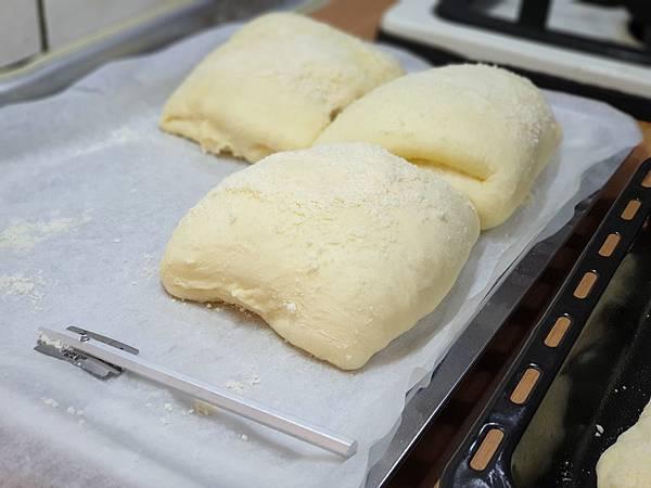 手作帕馬森起司麵包 (11).jpg