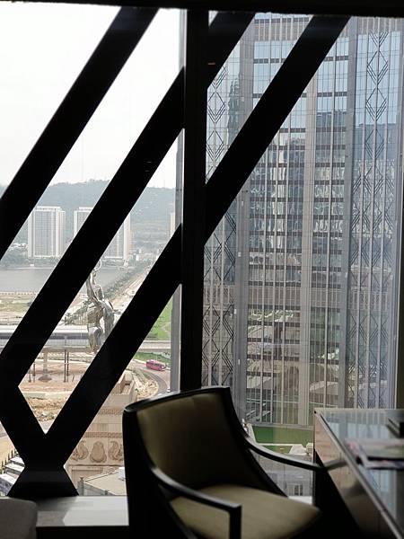 澳門新濠影滙:明星經典景觀雙床客房 (3).jpg