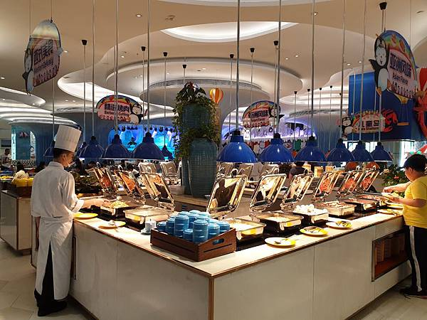 中國廣東省長隆企鵝酒店:帝企鵝自助餐廳 (2).jpg