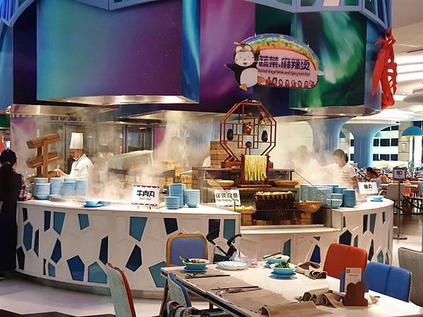中國廣東省長隆企鵝酒店:帝企鵝自助餐廳 (3).jpg