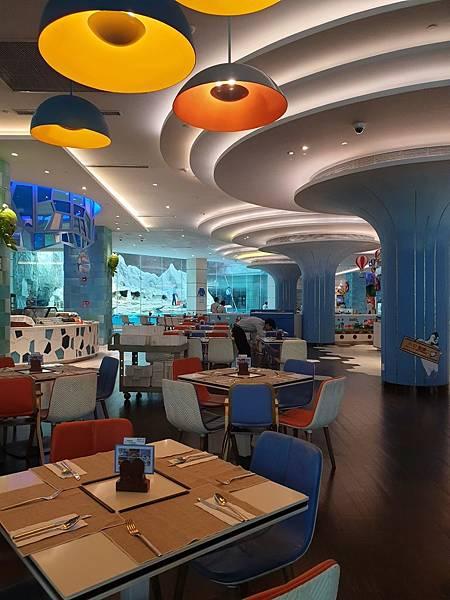 中國廣東省長隆企鵝酒店:帝企鵝自助餐廳 (38).jpg