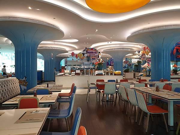 中國廣東省長隆企鵝酒店:帝企鵝自助餐廳 (39).jpg