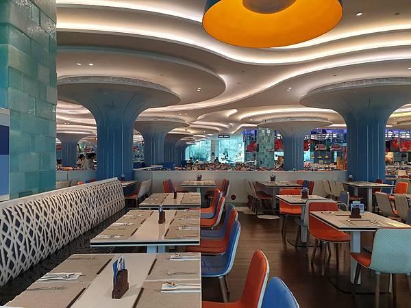 中國廣東省長隆企鵝酒店:帝企鵝自助餐廳 (41).jpg