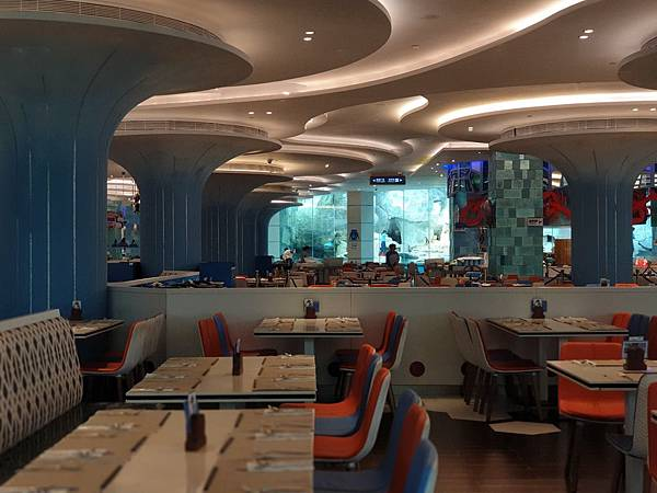 中國廣東省長隆企鵝酒店:帝企鵝自助餐廳 (42).jpg