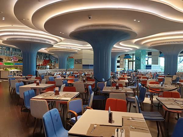 中國廣東省長隆企鵝酒店:帝企鵝自助餐廳 (69).jpg