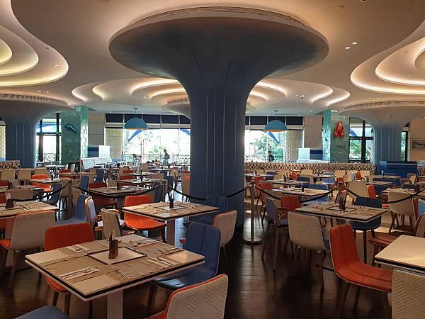 中國廣東省長隆企鵝酒店:帝企鵝自助餐廳 (74).jpg