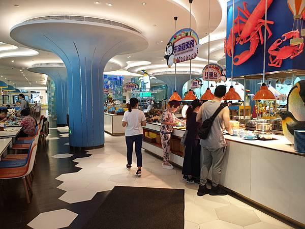 中國廣東省長隆企鵝酒店:帝企鵝自助餐廳 (76).jpg