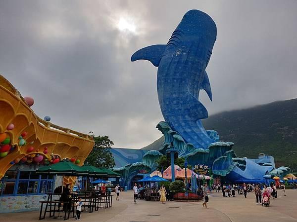 中國廣東省長隆海洋王國:鯨鯊館 (23).jpg