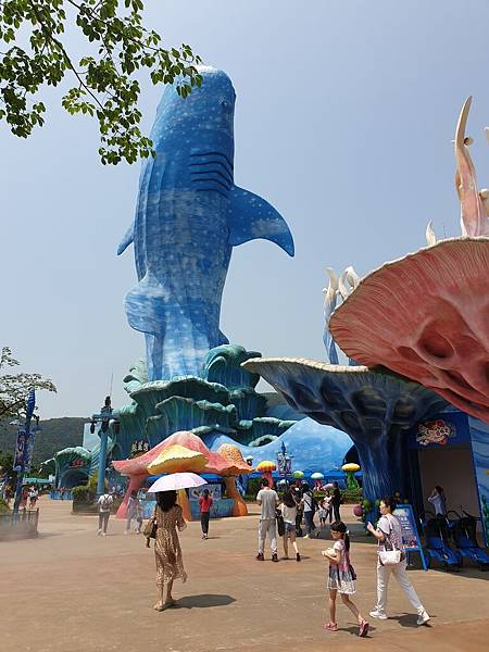 中國廣東省長隆海洋王國:鯨鯊館 (26).jpg