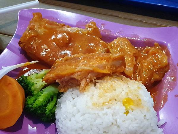 中國廣東省長隆海洋王國:英雄家族餐廳 (15).jpg