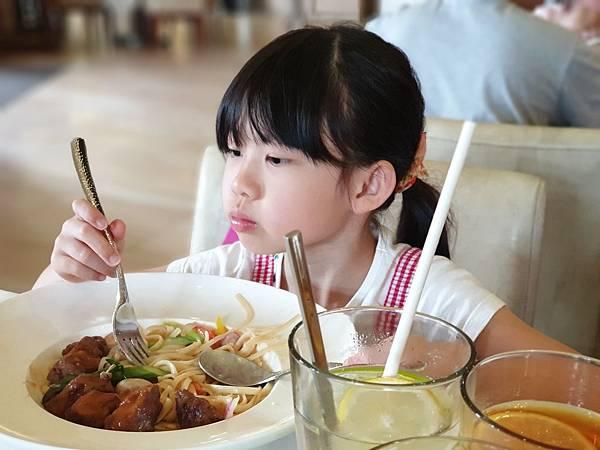 中國廣東省長隆海洋王國:海洋大街餐廳 (11).jpg