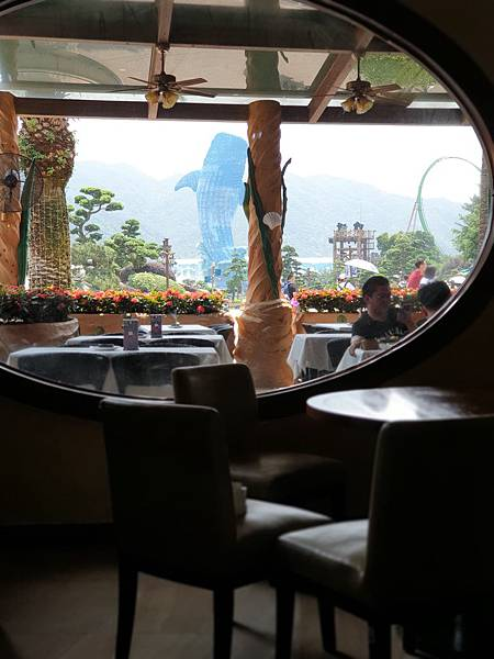 中國廣東省長隆海洋王國:海洋大街餐廳 (22).jpg