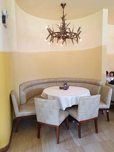 中國廣東省長隆海洋王國:海洋大街餐廳 (26).jpg