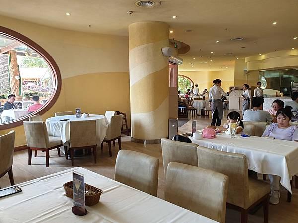 中國廣東省長隆海洋王國:海洋大街餐廳 (29).jpg
