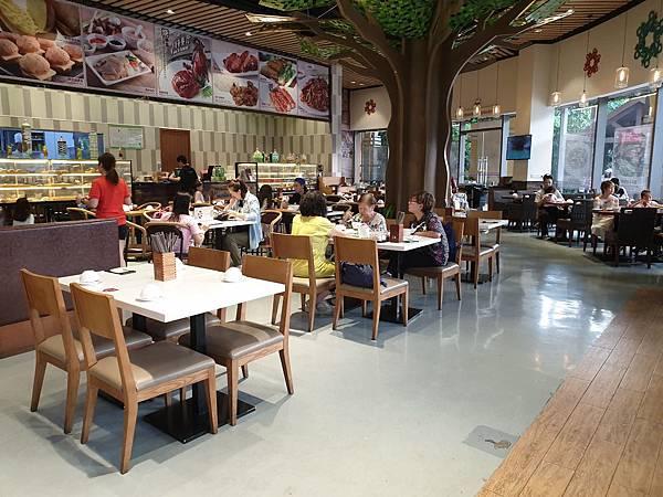 中國廣東省長隆馬戲酒店:興隆茶餐廳 (5).jpg