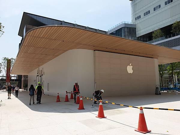 台北市Apple信義A13【盜攝版】 (3).jpg