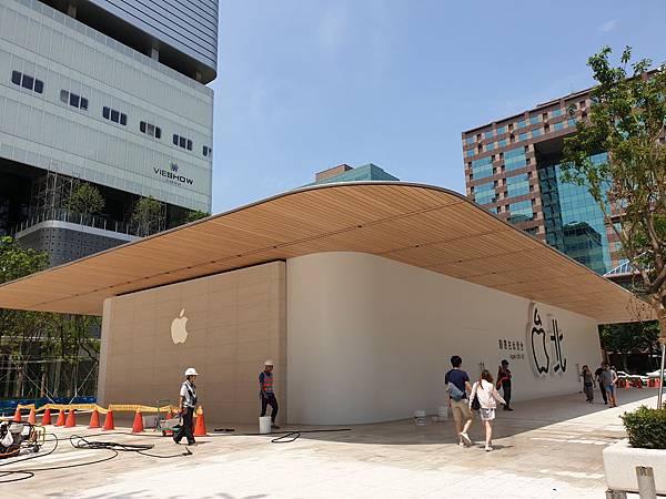 台北市Apple信義A13【盜攝版】 (5).jpg