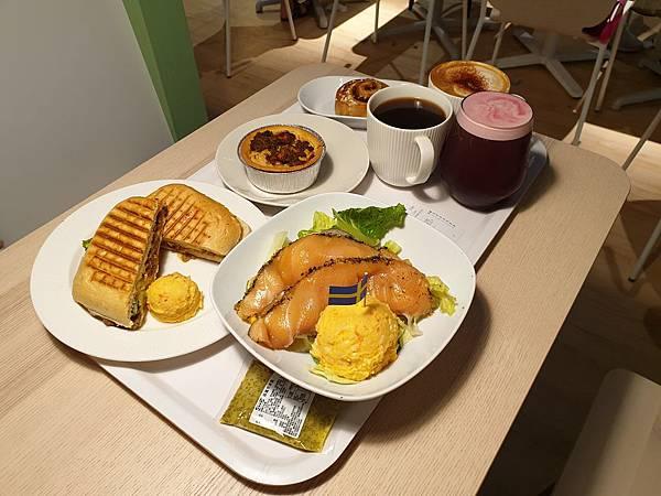 台北縣新店市IKEA新店店:IKEA CAFE (4).jpg