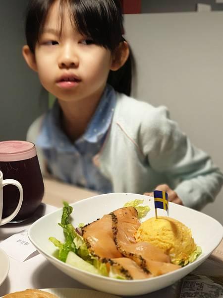台北縣新店市IKEA新店店:IKEA CAFE (13).jpg