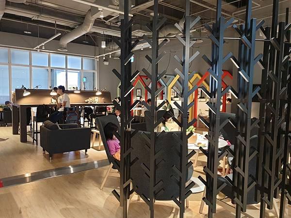 台北縣新店市IKEA新店店:IKEA CAFE (21).jpg