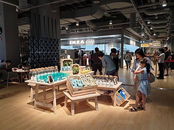 台北縣新店市IKEA新店店:IKEA CAFE (24).jpg