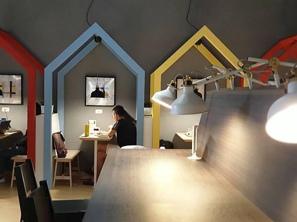 台北縣新店市IKEA新店店:IKEA CAFE (17).jpg