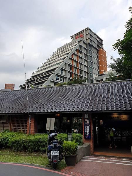 宜蘭縣礁溪鄉兆品酒店 礁溪:外觀+大廳 (13).jpg