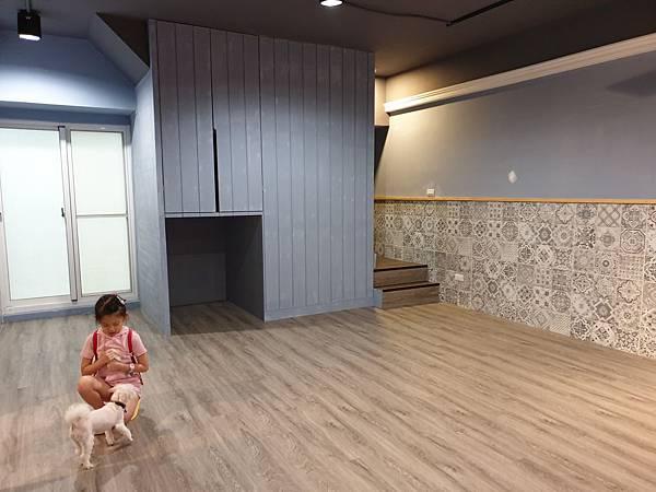 マル參觀狗狗旅館 (14).jpg