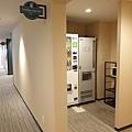 日本沖縄県ラ.ジェント.ホテル 沖縄北谷:大廳+公共空間 (17).jpg