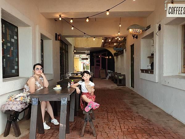 日本沖縄県ZHYVAGO COFFEE WORKS OKINAWA (6).jpg