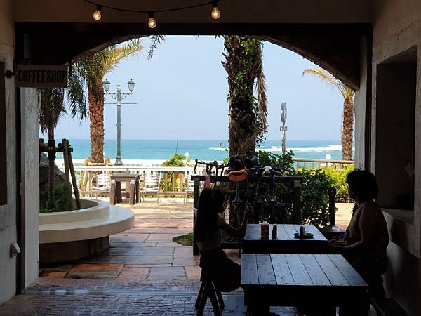 日本沖縄県ZHYVAGO COFFEE WORKS OKINAWA (2).jpg