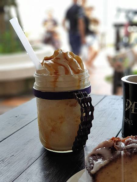 日本沖縄県ZHYVAGO COFFEE WORKS OKINAWA (9).jpg
