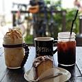 日本沖縄県ZHYVAGO COFFEE WORKS OKINAWA (10).jpg