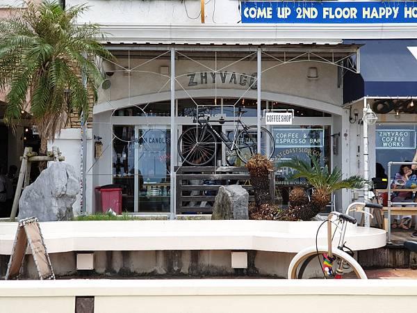 日本沖縄県ZHYVAGO COFFEE WORKS OKINAWA (22).jpg
