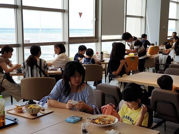 日本沖縄県サンエー浦添西海岸PARCO CITY:2F フードホール (29).jpg