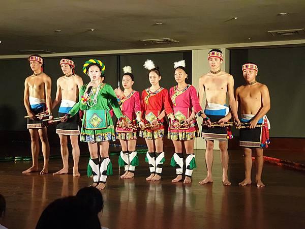 亞亞的原住民舞蹈表演 (1).jpg