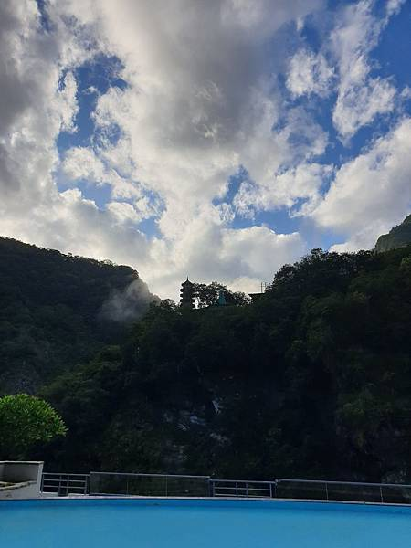 花蓮縣秀林鄉太魯閣晶英酒店:峽谷泳池 (27).jpg