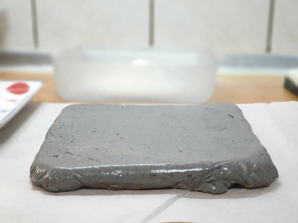 手作芝麻椰汁雪花糕 (14).jpg