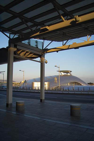 韓國仁川機場新建築與雨庇.jpg