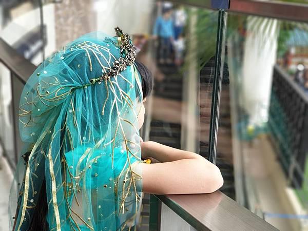 亞亞的茉莉公主三井散步 (6).jpg