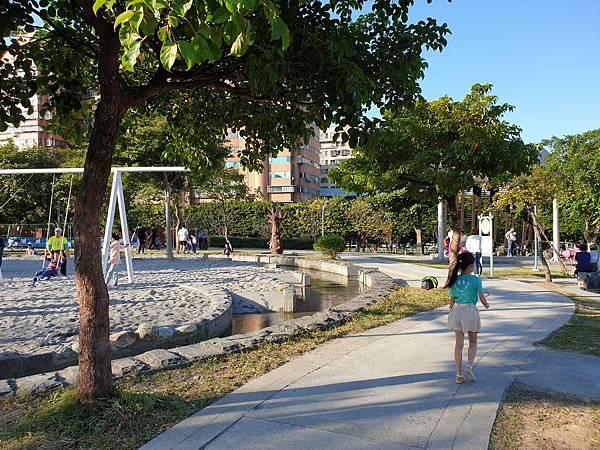 亞亞的中和錦和公園 (6).jpg