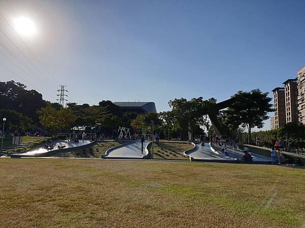 亞亞的中和錦和公園 (22).jpg