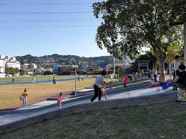 亞亞的中和錦和公園 (25).jpg