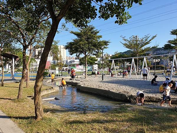 亞亞的中和錦和公園 (28).jpg