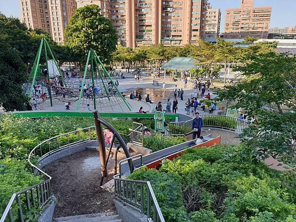 亞亞的中和錦和公園 (33).jpg