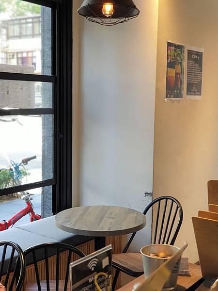 台北市Caffe Rue路 (4).jpg